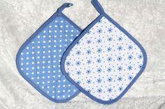 Kochutensilien - Topflappen blau weiß Küche Kochen Grillen Blümchen - ein Designerstück von trixies-zauberhafte-Welten bei DaWanda
