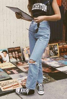 53 Ideas How to Achieve Vintage Street Style Fashion Fashion Outfits Achieve fashion ideas street style vintage Grunge Outfits, 90s Fashion Grunge, Indie Outfits, Retro Outfits, Cute Casual Outfits, Fashion Outfits, Retro Fashion 90s, Hijab Fashion, Fasion
