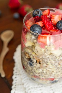 This Easy Overnight Buckwheat Parfait is filled with berries, cashew butter, and chia. That's a lot of nutrition in one glass. www.ireneccloset.com