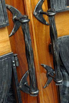 Metallic Sculpture : Custom Made Custom Hand Forged Iron Door Handles Metal Projects, Metal Crafts, Door Knobs And Knockers, Blacksmith Forge, Blacksmith Projects, Forging Metal, Iron Art, Door Accessories, Iron Doors