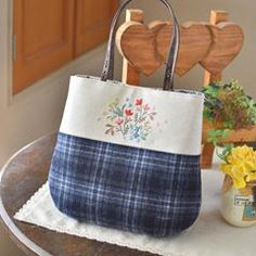 Bag that thinks of spring. It's still cold winter though... . 久しぶりのミシンを踏みました。 春を想うバッグ。 まだまだ寒い冬だけれど…。 #バッグ #刺繍 #handmade #embroidery
