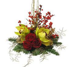 Centro de rosas e orquídeas