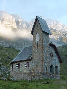 Kapelle Maria zum Schnee, Meglisalp, Appenzell Places In Switzerland, Visit Switzerland, Monuments, Cool Places To Visit, Places To Go, Swiss Travel, Old Churches, Zermatt, Place Of Worship