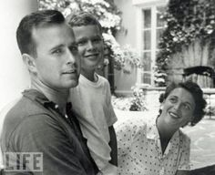 George W Bush with his mother and father 1955 i cannot believe that is barbara bush. Us History, American History, History Pics, American Pie, George Hw, Bush George, Young George Bush, Bush Family, First Ladies