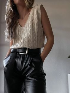 Vest Outfits For Women, Outfits Otoño, Casual Outfits, Fashion Outfits, Fashion Edgy, Sweater Vest Outfit, Leather Pants Outfit, Sweater Vests, Knit Vest Pattern