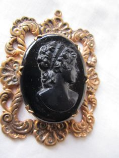 SALE Vintage Black Glass Cameo In Goldtone by AuntSuesVintage, $39.99