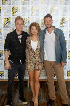 David Anders, Rose McIver and Robert Buckley at the Comic-Con 2014. The trio have been cast one of the newest Zombie TV shows, iZombie