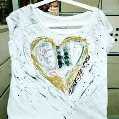 "41 Me gusta, 11 comentarios - Uptist On Line (@uptistonline) en Instagram: ""My heart is full of you #art #acrilico #acrylicpainting #dream #art🎨 #arte #uptist #pintura…"" My Heart Is Full, Textiles, Dream Art, Line, Tie Dye, Instagram Posts, Women, Fashion, Vestidos"