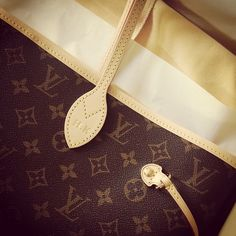 2015 New Louis Vuitton Handbags - Neverfull,Artsy,Speedy Up to OFF From Louis Vuitton Outlet. New Louis Vuitton Handbags, Louis Vuitton Sale, Louis Vuitton Neverfull Mm, Lv Handbags, Handbags Online, Fashion Handbags, Louis Vuitton Monogram, Purses For Sale, Purse Sale