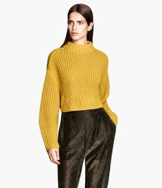 Cropped yellow sweater with exaggerated sleeves #HMTrend