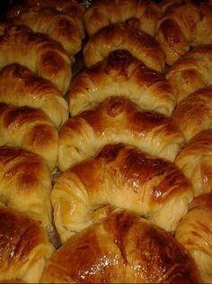 Pan Dulce, Croissants, Desert Recipes, Hot Dog Buns, Keto Recipes, Delish, Bakery, Deserts, Brunch