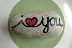 I heart you painted stone Pebble Painting, Pebble Art, Stone Painting, Stone Crafts, Rock Crafts, Arts And Crafts, Rock Painting Ideas Easy, Rock Painting Designs, Hand Painted Rocks