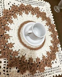 """129 curtidas, 13 comentários - Rosicleide Pontes (@artedarosi) no Instagram: """"Bom dia ☀️ #crochê #crochet #requite #artesanato #porcelana #camicado #feiradeartesanato…"""""""
