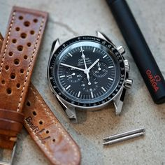 It's time for with the Speedy Pro and the Le Mans Racing strap 🏁 I've been dreaming about having this combo back… Omega Speedmaster Watch, Omega Seamaster, Burberry Men, Gucci Men, Cool Watches, Watches For Men, Men's Watches, Seiko Mod, Speedmaster Professional