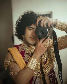 Radha Krishna Pictures, Radha Krishna Photo, Krishna Photos, Krishna Art, Diy Room Decor For Teens, Krishna Songs, Couple Goals Teenagers, Lord Krishna Wallpapers, Cute Krishna