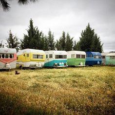 Tinker Tin Trailer Co. Retro Caravan, Vintage Campers Trailers, Retro Campers, Vintage Caravans, Camper Trailers, Small Campers, Tiny Trailers, Happy Campers, Classic Campers