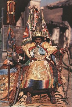 This shaman goes into a trance to advice the Dalai Lama and channels the protector of Tibet. Was responsible for telling the Dalai Lama to leave Tibet for safety just before China attacked the palace. Dalai Lama, Costume Ethnique, Buddha, Vajrayana Buddhism, Tibetan Buddhism, Himalayan, People Around The World, World Cultures, Deities