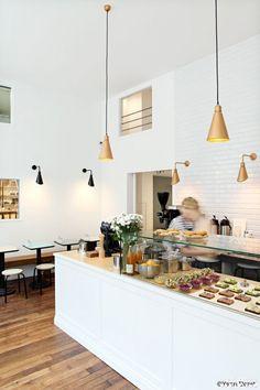 Cafe Smorgas // La tresorerie 11 Rue du Château d'Eau, 75010 Paris