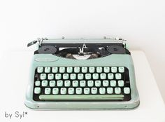 Schreibmaschine Hermes baby gebaut in Jahren 1956-60