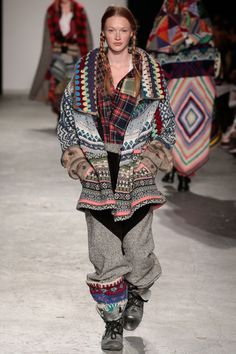 ::: OutsaPop Trashion ::: DIY fashion by Outi Pyy :::: Claire Storey patchwork knitwear Knit Fashion, Ethnic Fashion, Fashion Outfits, Textiles, Only Cardigan, Estilo Hippy, Catwalk Fashion, Clothes Crafts, Sustainable Clothing