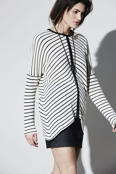 Automne | hiver 16.17 – eve gravel striped top Montreal, Hoodies, Woman Fashion, Knitting, Blouse, Sweaters, Shopping, Knits, Design