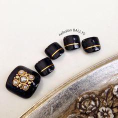 #nail #nailart #ネイル http://plus.girlspic.jp/nail/hot