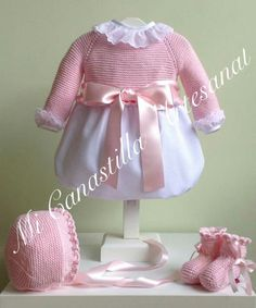 with ・・・ Pelele clásico para tu princesa Disponible en rosa, celeste,… - Örgü Modelleri Baby Knitting Patterns, Toddler Outfits, Girl Outfits, Baby Bling, Natural Baby, Crochet Projects, Harajuku, Knit Crochet, Kids Fashion