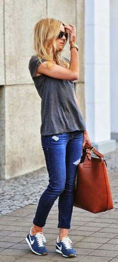Tee with jeans and blue Nike sneakers