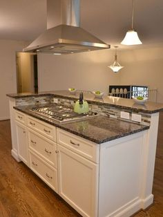 Trendy kitchen island with stove top wall ovens Kitchen Island With Cooktop, Farmhouse Kitchen Island, Modern Kitchen Island, Kitchen Island With Seating, Small Space Kitchen, Country Kitchen, Diy Kitchen, Kitchen Islands, Small Kitchens