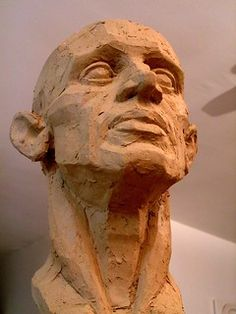 Finished clay head – up shot Start making art again. Mainly ceramic, see if I can find a good ceramic evening session somewhere. Human Sculpture, Sculpture Head, Pottery Sculpture, Clay Sculptures, Wow Art, Art Plastique, Clay Art, Figure Drawing, Art Tutorials