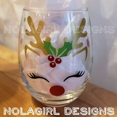 Best Ideas For Diy Christmas Party Favors Wine Glass Christmas Glasses, Christmas Party Favors, Diy Christmas Gifts, Christmas Crafts, Reindeer Christmas, Christmas Parties, Handmade Christmas, Holiday Decor, Diy Wine Glasses