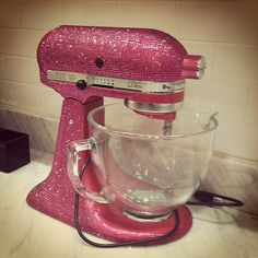 I've gotta admit, this is the perfect mixer. I'd kinda like to swap mine for this one :))
