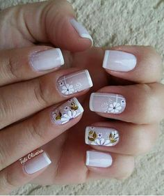 Unhas decoradas delicadas · unhas com ponta branca, unhas rosa, unhas básicas, cabelo e unhas, unhas Shellac Nails, Acrylic Nails, Cute Nails, Pretty Nails, Flower Nail Art, Stylish Nails, Fabulous Nails, French Nails, Manicure And Pedicure