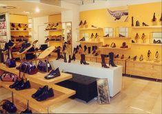 1.5 Banco promozionale, perchè è importante? Visual Merchandising, Shoe Rack, Home, Benches, House, Shoe Closet, Ad Home, Homes, Haus