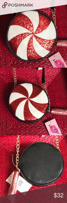 Betsey Johnson Peppermint purse NWT 🍭 Stunning purse! Great for holiday gatherings and events. Betsey Johnson Bags Crossbody Bags