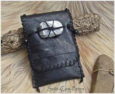 Smartphone leather case - pouch - bag - by solo-con-perro on dawanda.com