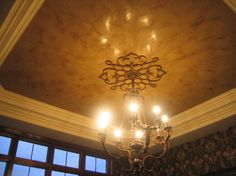 Tray+Ceiling+with+medallion | Tray Ceiling - Italian Venetian Plaster traditional-dining-room
