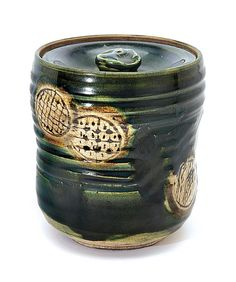 Oribe jar,Japanese pottery                                                                                                                                                                                 Más