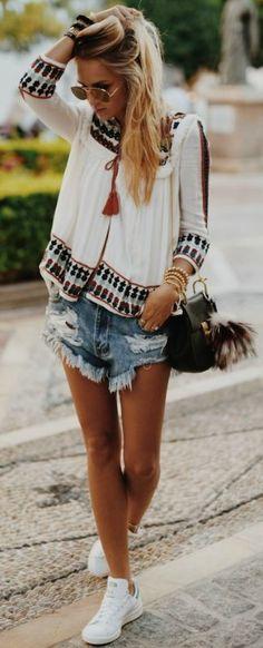 summer boho outfit: shirt + shorts + bag