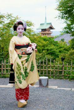 Maiko, Kimihiro. Kyoto, Japan.