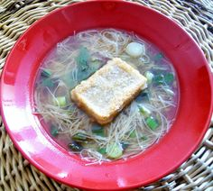 Schatz was koch ich heute? Gebratenes Mochi in Suppe - ein Rezept aus der japanischen Küche.  Laß es Dir schmecken!  #vegan #suppen #rezepte
