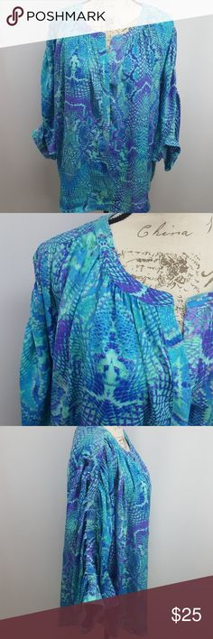 """Jennifer Lopez Dolman Hi-Low Blouse Excellent used condition dolman style, hi-low top.  Size 1X. 27"""" length in front. 30"""" length in back. All measurements are approximate. Jennifer Lopez Tops Blouses"""