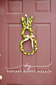You know I love dressing up my door of the holidays and...  Read more »