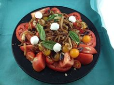 Rose Reisman's spin off of the traditional Caprese Salad - Tomato Salad with Buffalo Mozzarella and Kalamata Olives. Tomato Salad, Caprese Salad, Mozzarella Salad, Buffalo Mozzarella, Kalamata Olives, Spin, Salad Recipes, Salads, Beef