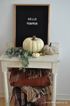 Home Tour -Rustic Neutral Fall Home Tour with lots of natural elements to bring the outdoors in and celebrate the changing season. Fall Home Decor, Autumn Home, Modern Fall Decor, Decor Around Tv, Seasonal Decor, Holiday Decor, Holiday Ideas, Felt Letter Board, Neutral
