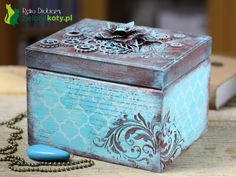 mixed media vintage box, rust effect