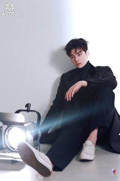 Fantagio has Just Revealed 30 Behind Cuts of Cha Eunwoo`s Recent Pictorial Asian Actors, Korean Actors, Korean Men, Asian Men, Asian Boys, Cha Eun Woo, Taeyong, Park Jinyoung, Cha Eunwoo Astro