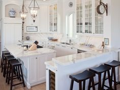 Beautiful small kitchen - great storage, seating, great lighting and ample work space - traditional kitchen by Renaissance Design Studio
