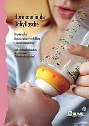 Titelbild Broschüre zu Bisphenol A, Frau gibt Baby die Flasche