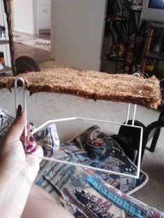 Second level tutorial!! This is awesome...never would've thought of this. I already have the coconut fiber wall thing, and I think I even have the shelf too...yay. :)